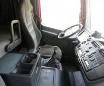 شاحنة راس مرسيدس اكسور موديل 2005 الحجم 1840