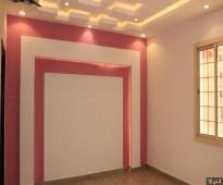 شقه 5 غرف كبيره اماميه بمدخلين للبيع ب 310 الف