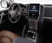 ايجار سيارة تويوتا لاند كروزر 2017