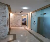 مكاتب مؤثثة ومجهزة بالكامل للإيجار بعقود مرنة ( الشهري – السنوي ) بمساحات مختلفة