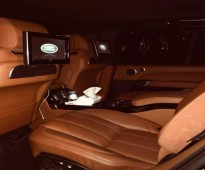 للإيجار سياره الرانج روفر2017 شامل البنزين والسائق