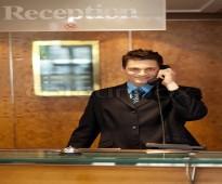 شركة الاسمر للإستقدام الأسرع توفر لكم موظفين  إستقبال  من جنسية مغربية.