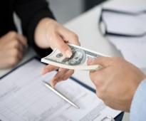 الحصول على قرض لدفع ديونك