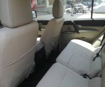 للإيجار ميتسوبيشي باجيرو 2016 شامل السائق و البنزين