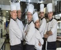 طباخين من الجنسية المغربية
