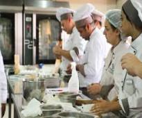 العمالة المغربية النسائية والرجالية من مختلف التخصصات