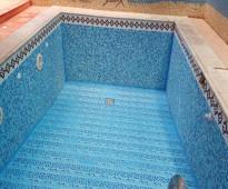 الافضل في صياتة المسابح بالرياض تنظيف مسابح الرياض شركة ال عيسي 0566594861
