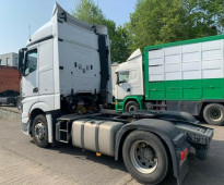 للبيع بحالة ممتازة شاحنه مرسيدس اكتروس 1845 mp4 موديل : 2013