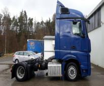 للبيع بحالة ممتازة شاحنه مرسيدس اكتروس 1845 mp4 موديل 2012 -  مكيف