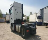 شاحنة مرسيدس أكتروس موديل 2014 بحالة أصلية ونظيفة للبيع