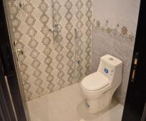 » شقة مستقلة للتمليك 5 غرف مع غرفة غسيل و خادمة