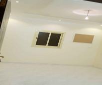 شقة 4 غرف  + صالة + 3 حمامات+ مطبخ