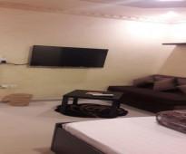 شقة مفروشة فاخرة ونظيفة جدا نظام استديو صغيرة شمال جدة للايجار الشهري