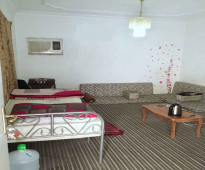 غرفة عزاب للإيجار حي النزهة الرياض - تقاطع أبو بكر مع الإمام سعود