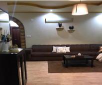 شقه 4غرف وصاله و2دورات مياه دور ارضي مدخلين  مع مدخل مستقل لعدد 2شقه