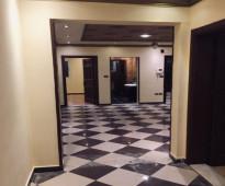 شقة عوايل 4غرف وحمامين