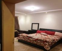 شقة مكونة من غرفة مؤثثة في الدور الأول العلوي