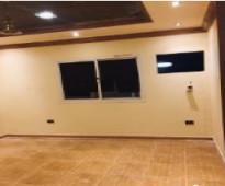 شقة عوايل 4غرف وحمامين وصالة ومطبخ راكب جدة حي الربوة