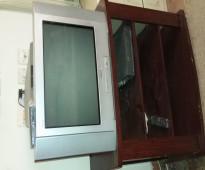 تليفزيون سونى بالريموت مع ريسيفر ومكتبة خشبية - TV Sony 21 Inch with Remote Control, Receiver and Stand