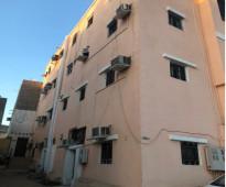 شقة بحي النزله اليمنيه ((( عوائل )))