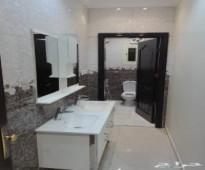 فيلاءروف ملحق5غرف مع السطح للبيع ب450الف ريال فقط
