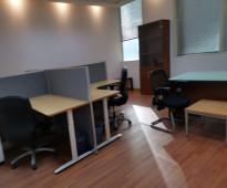 للايجار  مكتب  مؤثث  ومجهز  بالكامل