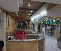 مطعم م 520 م2 , للتقبيل  , شهرة واسعه , الشارع الرئيسي حي الجنادرية , شرق الرياض