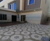 للبيع دبلكس ٦ غرف مع ملحق خارجي في حي ظهره لبن مساحه ٢٥٠م بسعر مليون ٥٠ الف رقم الاعلان 11030