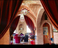 للبيع بمراكش المغربية قصر فخم 12700م