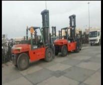 شاحنات ومعدات ثقيلة - رافعة