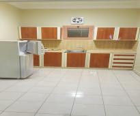 للايجار الشهري شقه خاصه موثثه غرفتين وصالة ومطبخ و2 حمام عوائل فقط