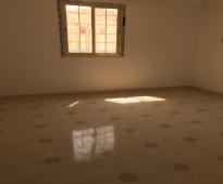 شقة راقية للايجار بحي الريان بسعر مناسب جدا