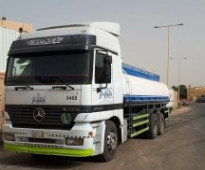 شاحنات ومعدات ثقيلة - قلاب