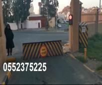 مصدات أمنية وحواجز شوكية hydraulic rising road blockers