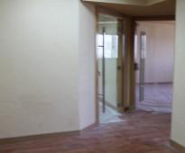 مكاتب فاخرة للإيجار في مركز العاذرية مقابل الصيرفي مول