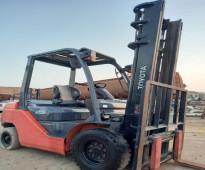 للبيع - رافعة تويوتا 2 طن ونص 2011