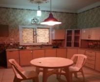 شقه مفروشه غرفتين ومطبخ