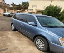 للبيع سيارة كيا - كارنيفال الموديل: 2013