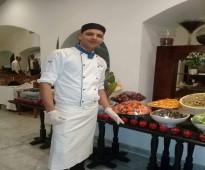 طباخ مصرى ارغب السفر