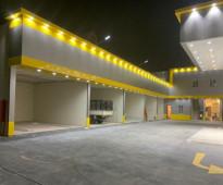 محل  كهربائي سيارات فى محطة وقود