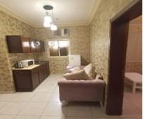 شقة رووف مؤثثة للايجار من  غرفة، صاله، دورات المياه، مطبخ، سطح خااص، مؤثثة