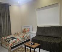شقة للتقبيل من غرفتين وصالة مؤثثة اثاث فاخر