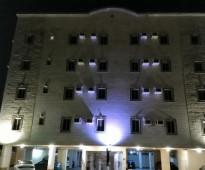 شقه 3 غرف نصف مفروش عوايل جده الريان حي هادي