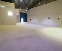 للايجار ورشة  بمساحة 350 متر بالصناعبة