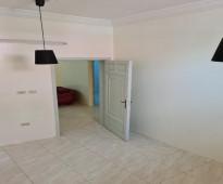 للإيجار شقة 3 غرف بحي الربوة