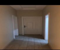 شقة في حراء مجدده ثلاث غرف وسطح مستقل - للايجار