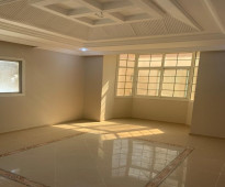 شقة للإيجار في حي المروة 6 غرف و 5 حمامات