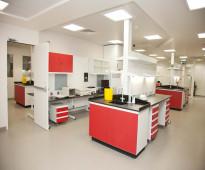 اثاث مختبرات طبية