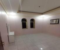 شقة غرفة و صاله للإيجار بحي البوادي - للايجار