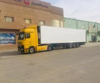 برادات وشاحنات عالمية للبيع